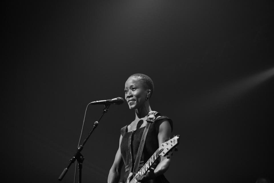 Rokia Traoré. Crédit photo : Julien Hayard.