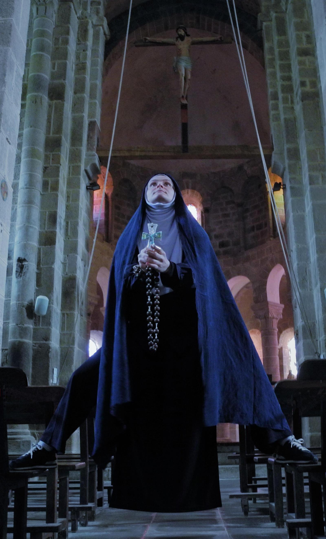 Sister Sardine, Apparition/Levitation, 2021. Photo: Aline Hémagi Fernande and Marion Minotti.