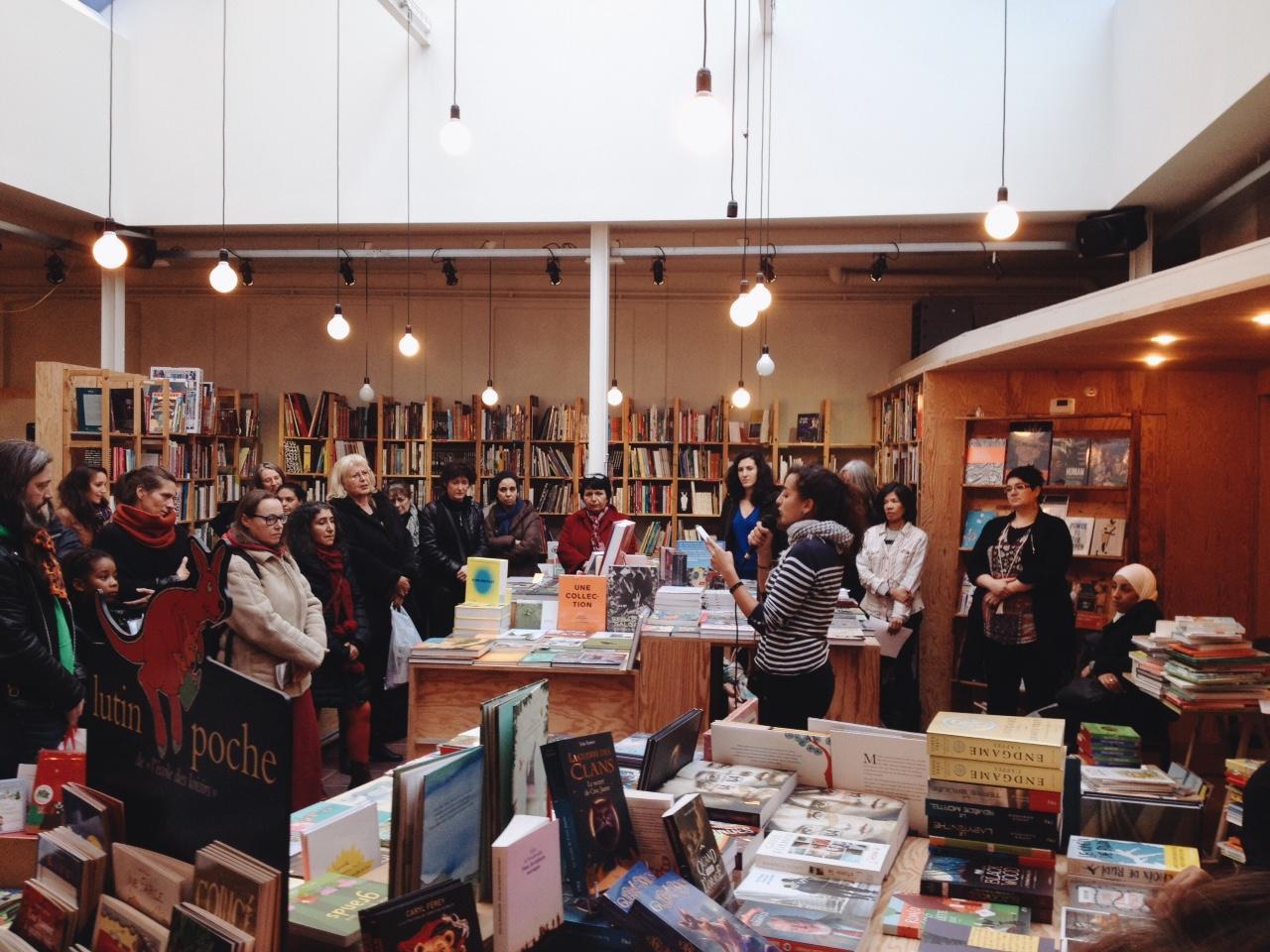 Micro ouvert de slam chez Livre aux Trésors. Crédit photo : Julien Hayard.