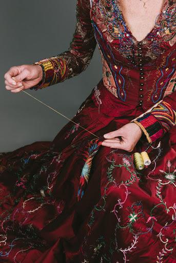 Kirstie Macleod, «The Red Dress » (2009-2019).