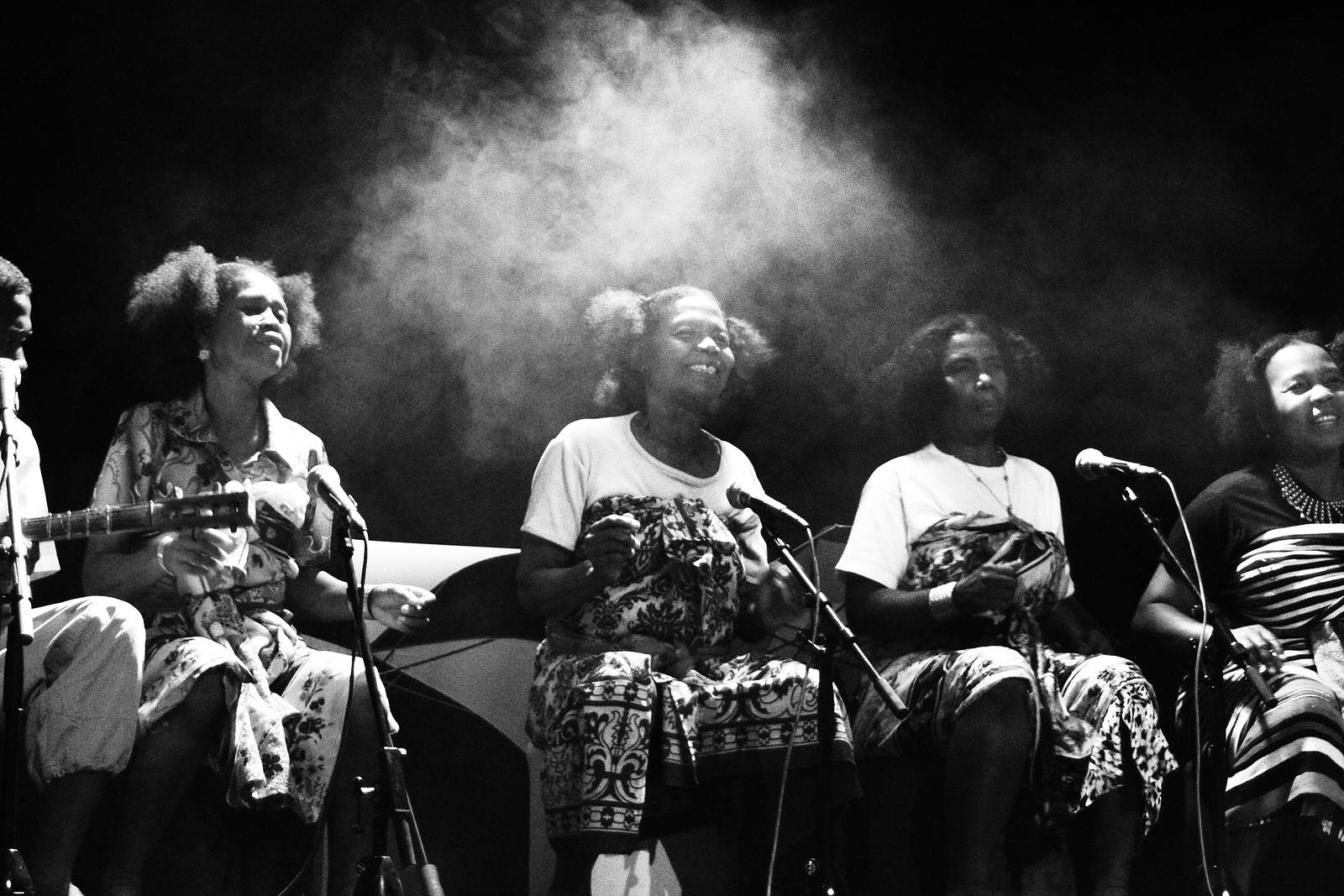 Tefa, chant Sarandra de Madagascar. Liège, 2007.